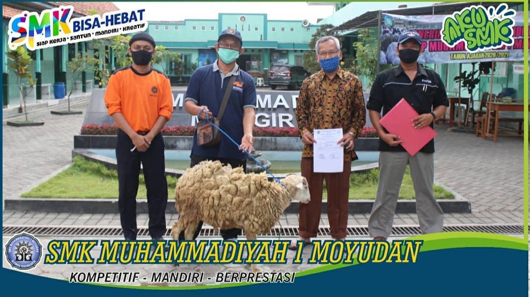 Pentasyarufan Hewan Qurban SMK Muhammadiyah 1 Moyudan.